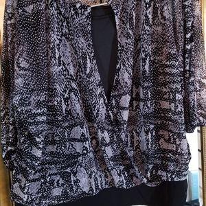 2 for $25 Like new Jennifer Lopez blouse